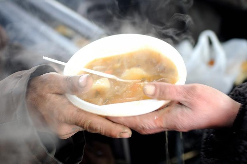 В КГГА подсказали, где бесплатно кормят горячими обедами