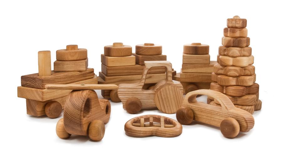 Какая польза от детских деревянных игрушек?