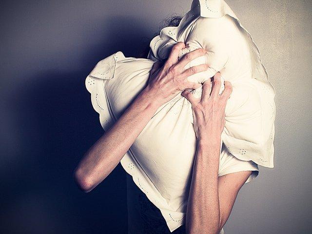 Под Киевом любимый внук задушил подушкой свою бабушку