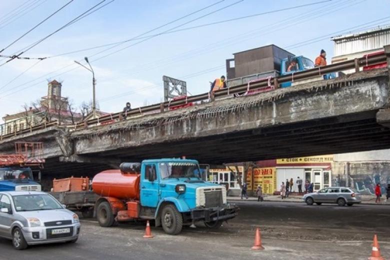"""Возле метро """"Шулявская"""" запланированы транспортные пробки"""