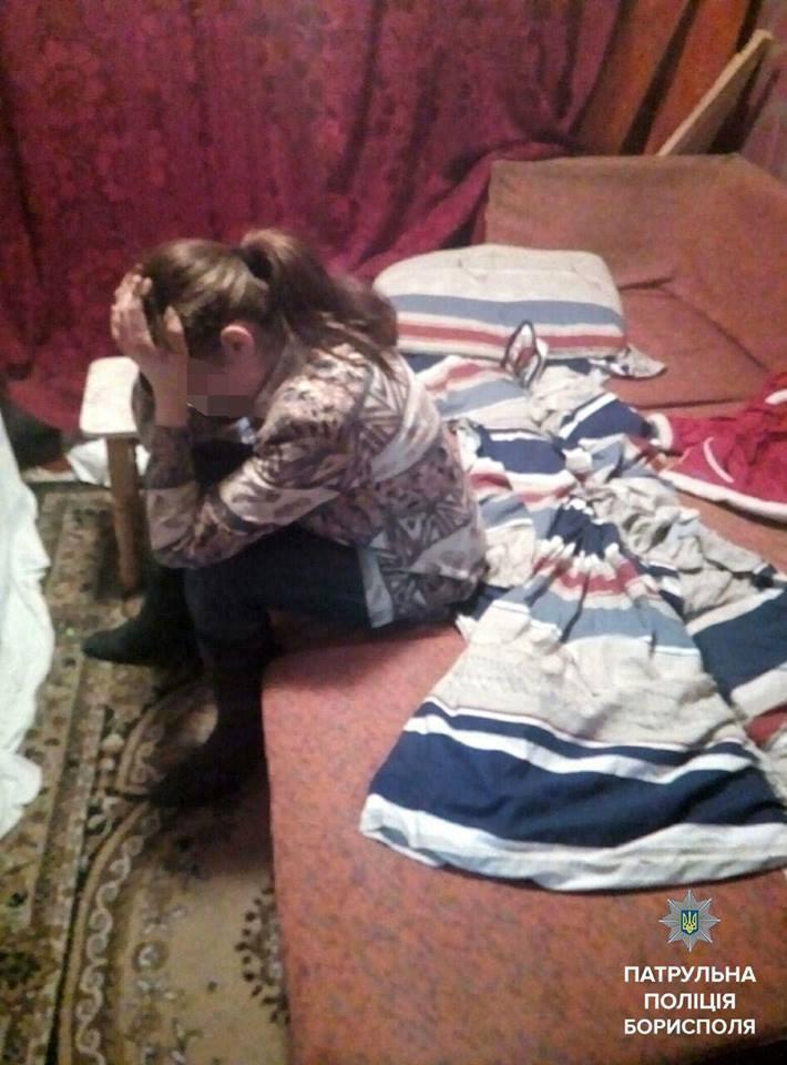 Под Киевом алкоголичка вычеркнула из своей жизни собственного ребенка