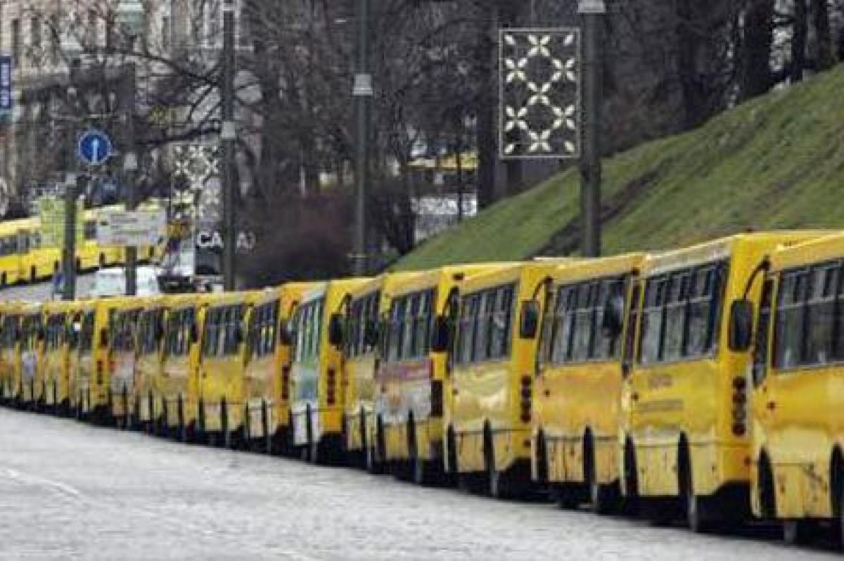 У киевлян отобрали сразу четыре опасные маршрутки
