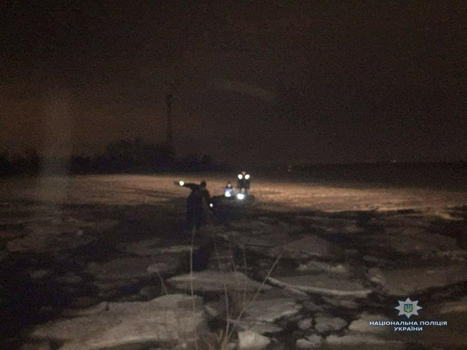 ЧП на ГЭС под Киевом: лед тронулся вместе с рыбаками