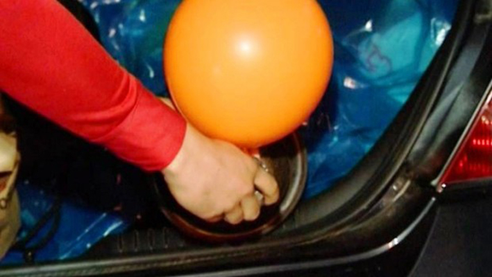 Киевлянин продавал наркотики в воздушных шариках