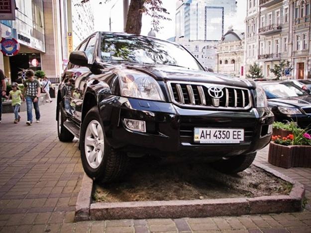 В Киевсовете предлагают каждому киевлянину по парковке