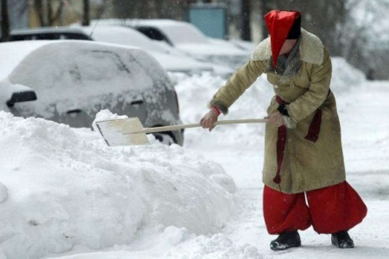 Мэр Киева провел бессонную ночь, проверяя снежок в Киеве