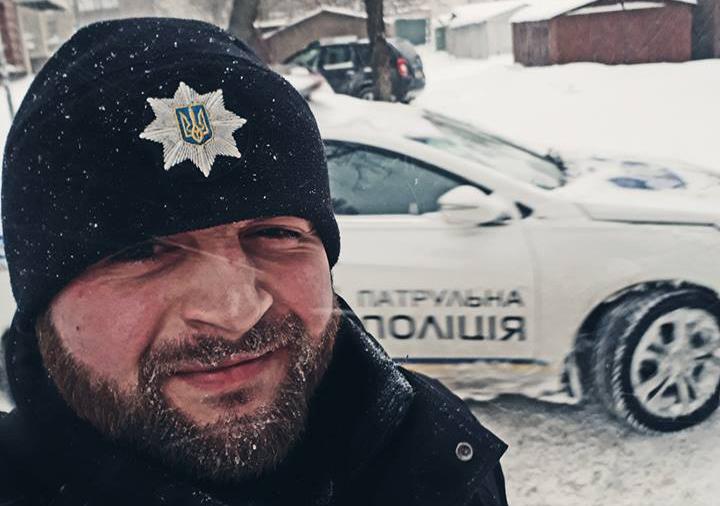 Киевскому патрульному не разрешили поехать в США из-за мизерной зарплаты