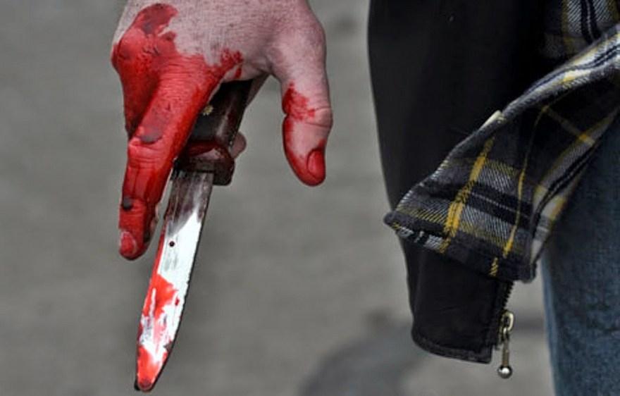 В Киеве мужчина совершил суицид, вонзив в сердце нож