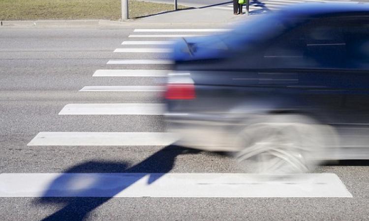 В Киеве водитель забыл правила дорожного движения и сбил женщину