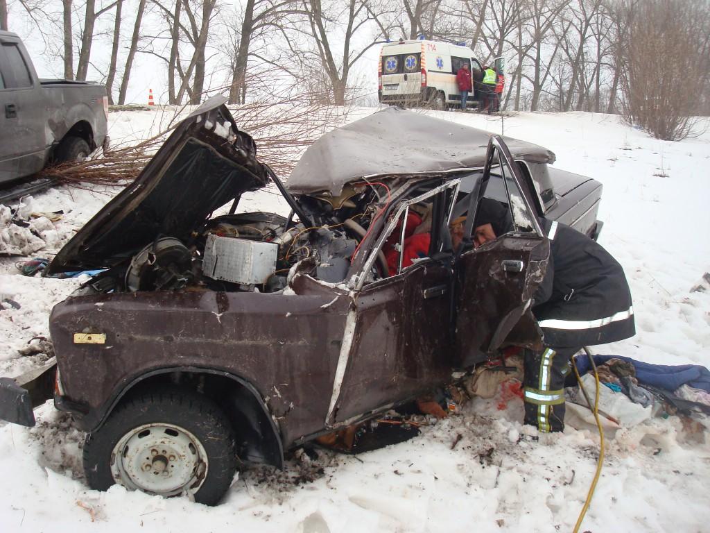 На трассе Киев - Прилуки смертельная авария: погиб водитель-нарушитель