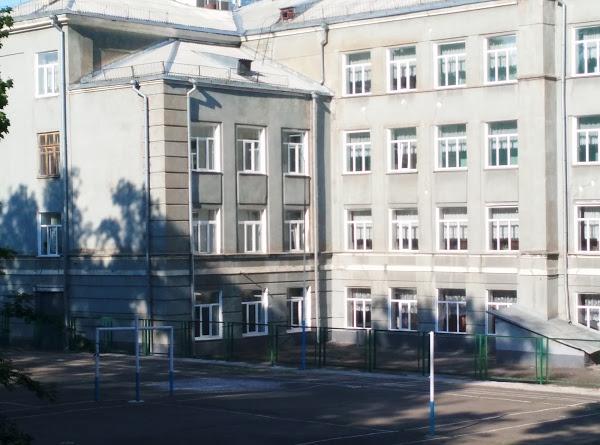 Проверять киевский лицей № 142 будут два месяца. Но уроки начнутся 19 марта