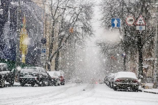 Снегопад в Киеве прекращается. В школах вряд ли будут отменять занятия