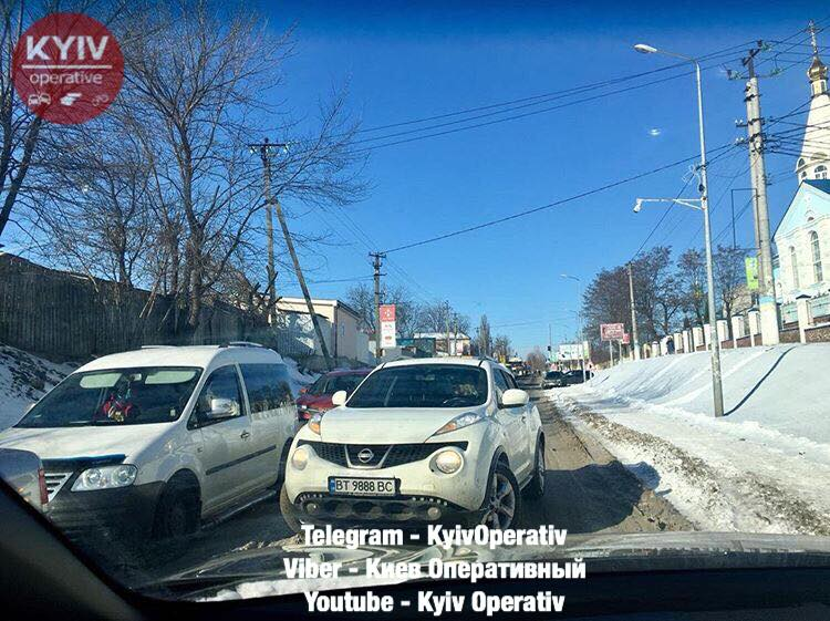 Под Киевом женщине показалось, что ей можно ездить по встречке