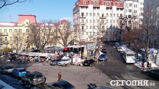 Андреевским торговцам срочно нужно переезжать на новую локацию