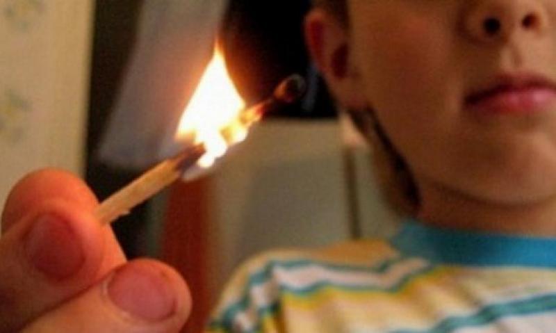 В Киеве первоклашка сильно обгорела, играясь со спичками