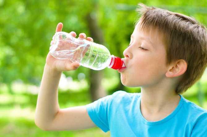 Почему ребенку нужно пить много воды