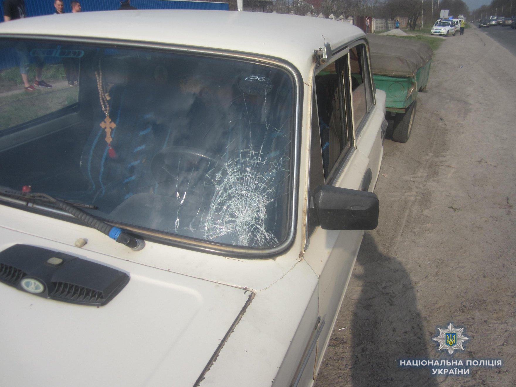 Под Киевом водитель сбил маленькую девочку на пешеходном переходе