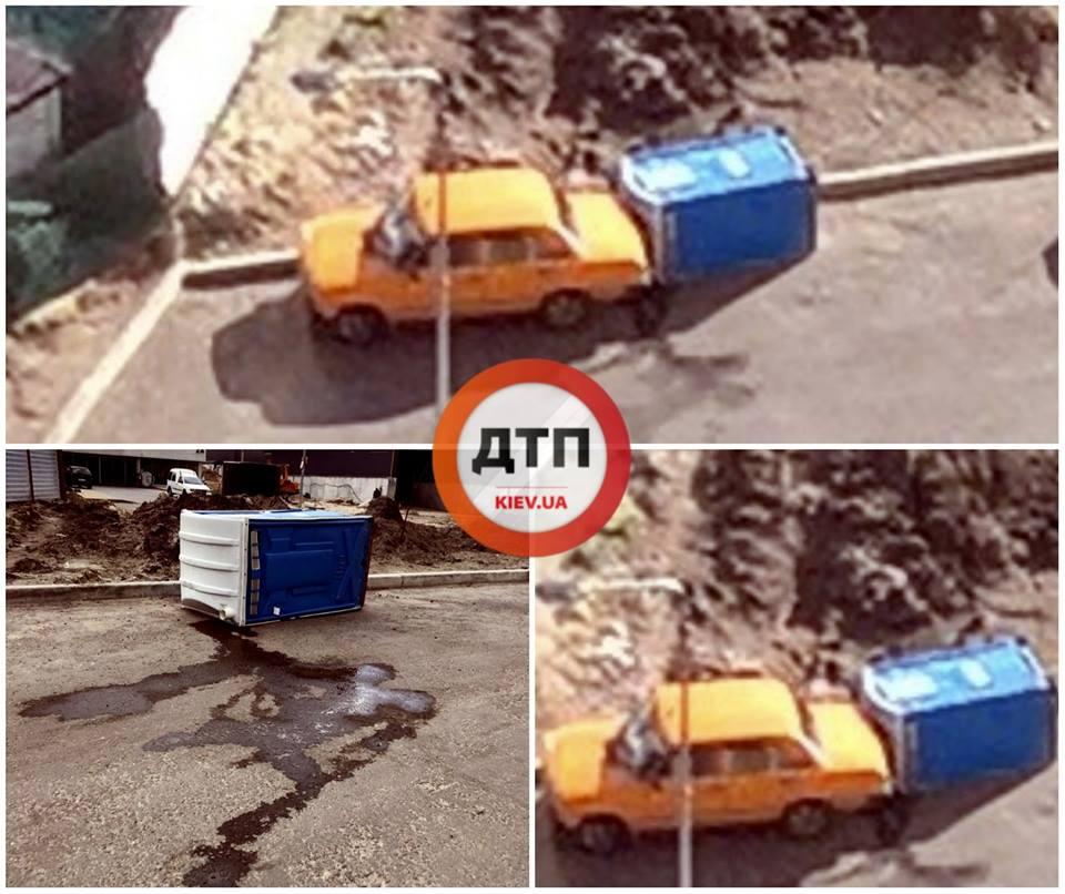 """Биотуалет врезался и """"испачкал"""" припаркованное авто"""