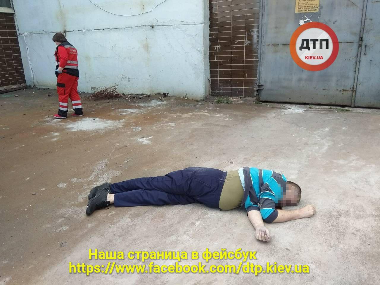 """Возле котельной """"Киевэнерго"""" мужчина покончил жизнь самоубийством"""