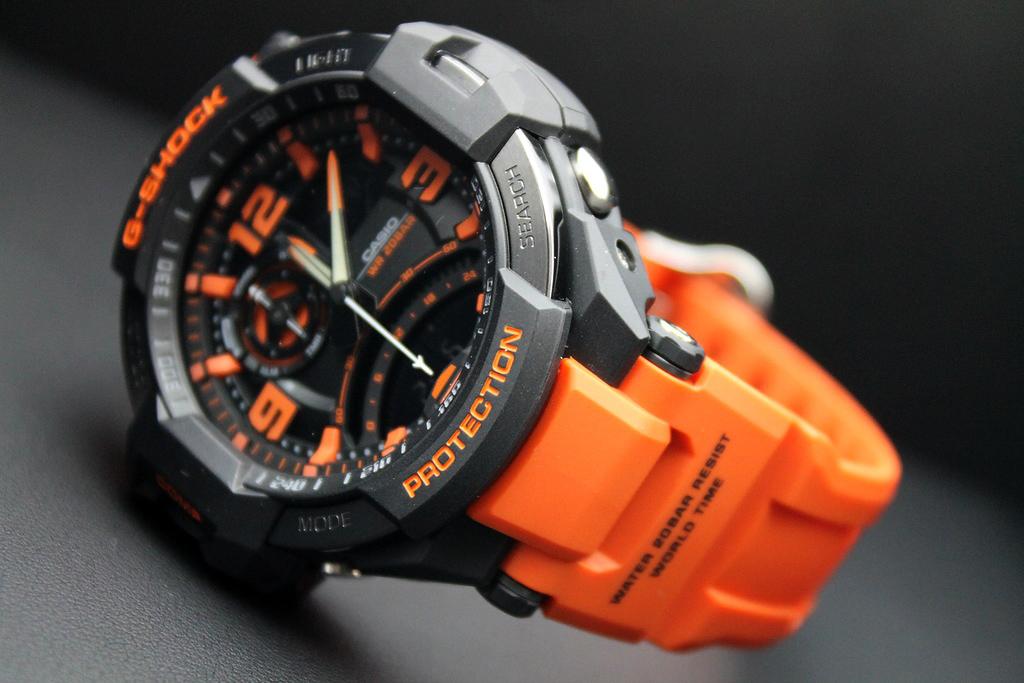 Часы Casio G-SHOCK -  надежность и на скалах и под водой!