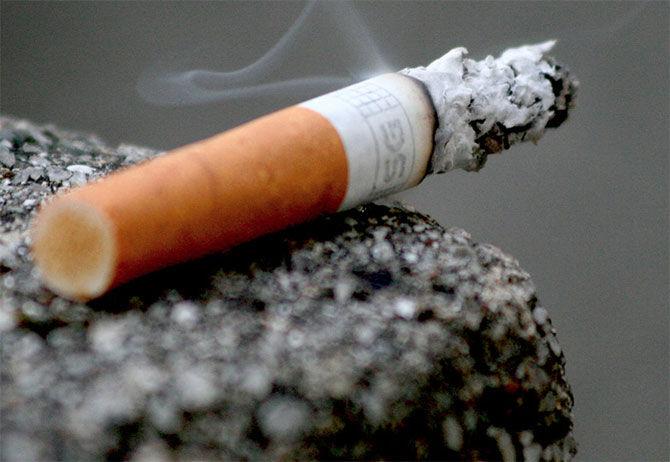 Киевские курильщики могут сжечь балконы своих соседей