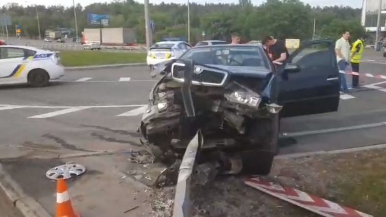 Смертельное ДТП в Киеве: водитель такси убил пассажира