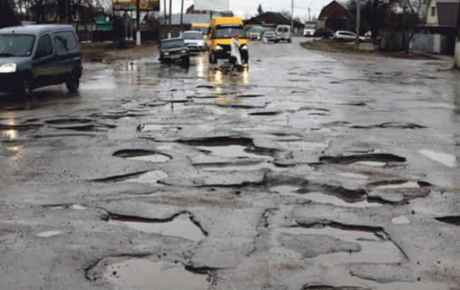 Кличко пообещал летом отремонтировать большую часть дорог в Киеве