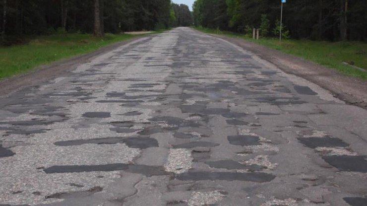 Дороги в Украине признаны самыми худшими