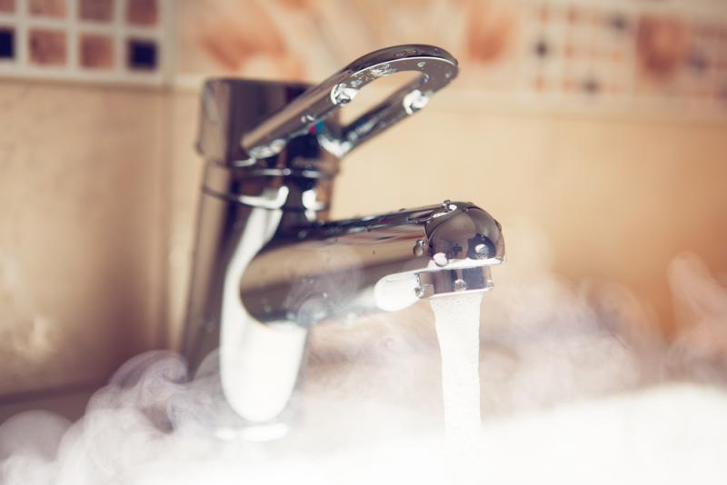 Проблемы с горячей водой в Киеве: когда включат ГВС?