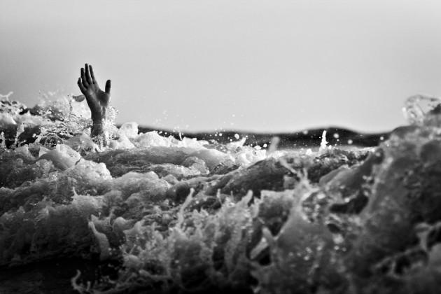 Киевские водолазы нашли утонувшего ребенка