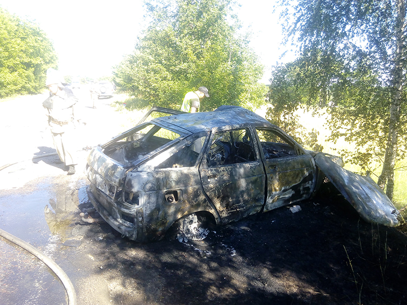 Жуткое ДТП под Киевом: водитель сгорел в автомобиле