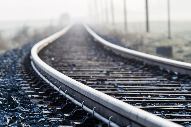 Смертельное ЧП в Киеве: поезд убил супружескую пару