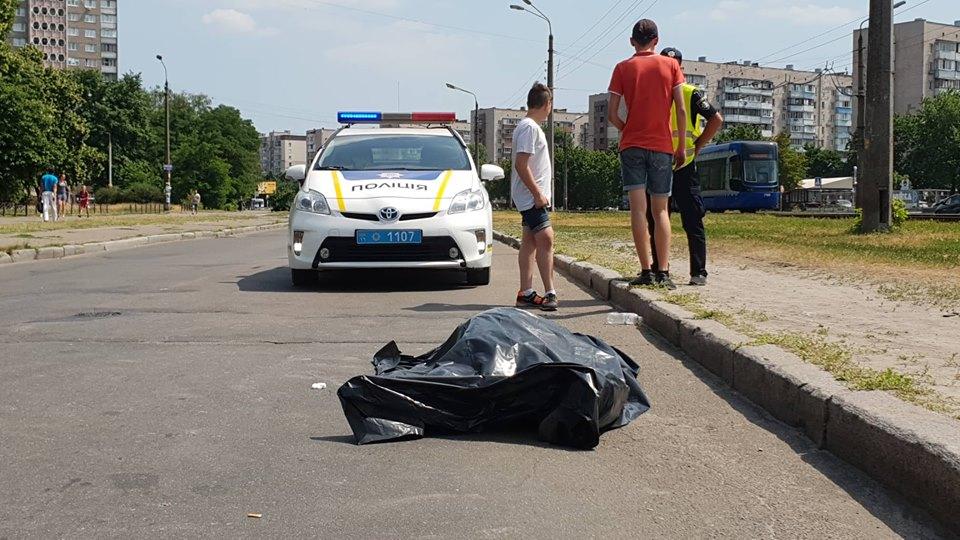 В Киеве из-за жары умер пожилой велосипедист