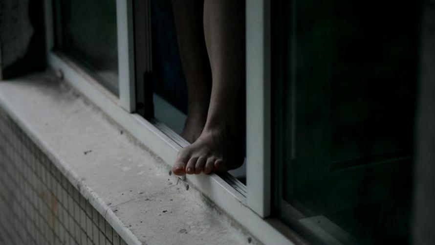 Трагедия в Киеве: 7-летняя девочка погибла, выпав из окна