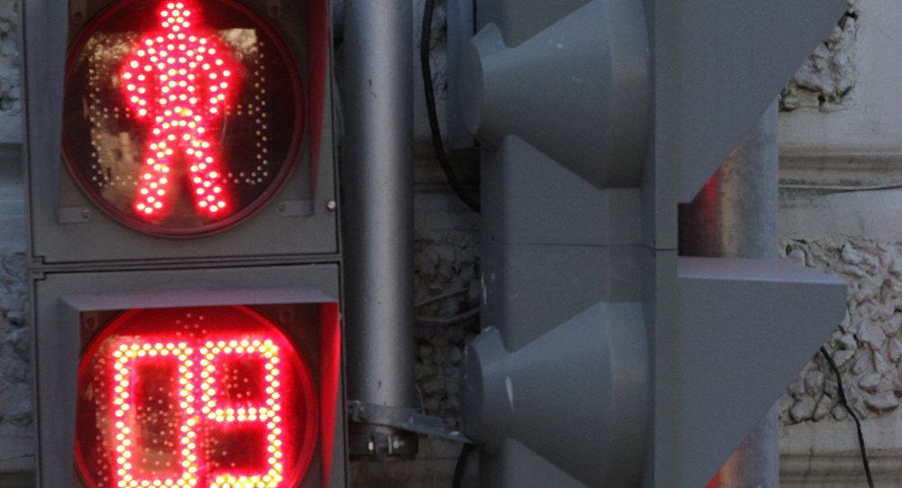 """В центре Киева из-за работы светофоров образовалась """"пешеходная пробка"""""""