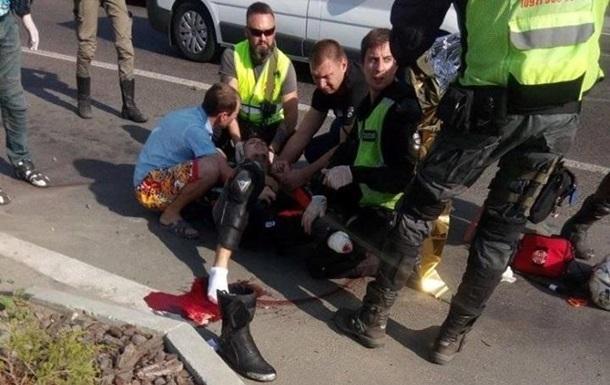 Жуткое ДТП под Киевом: мотоциклист лишился ноги