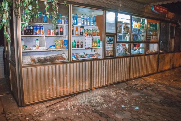 Боец АТО разгромил киевское кафе из-за отказа ему налить