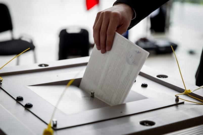 Кличко бы победил на выборах мэра, а Вакарчук прошел бы в Киевсовет - опрос