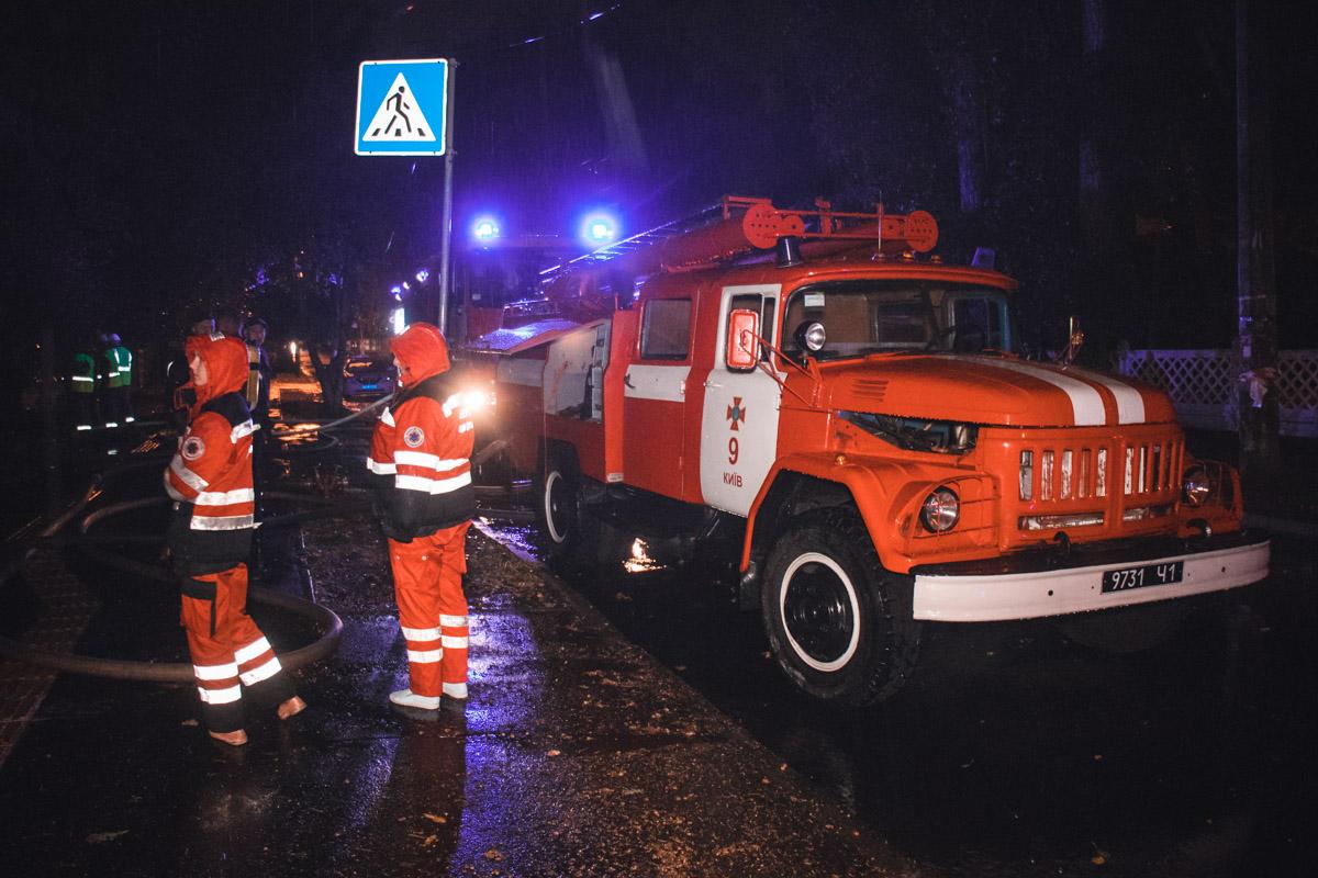 В Киеве во время пожара заживо сгорел пожилой мужчина