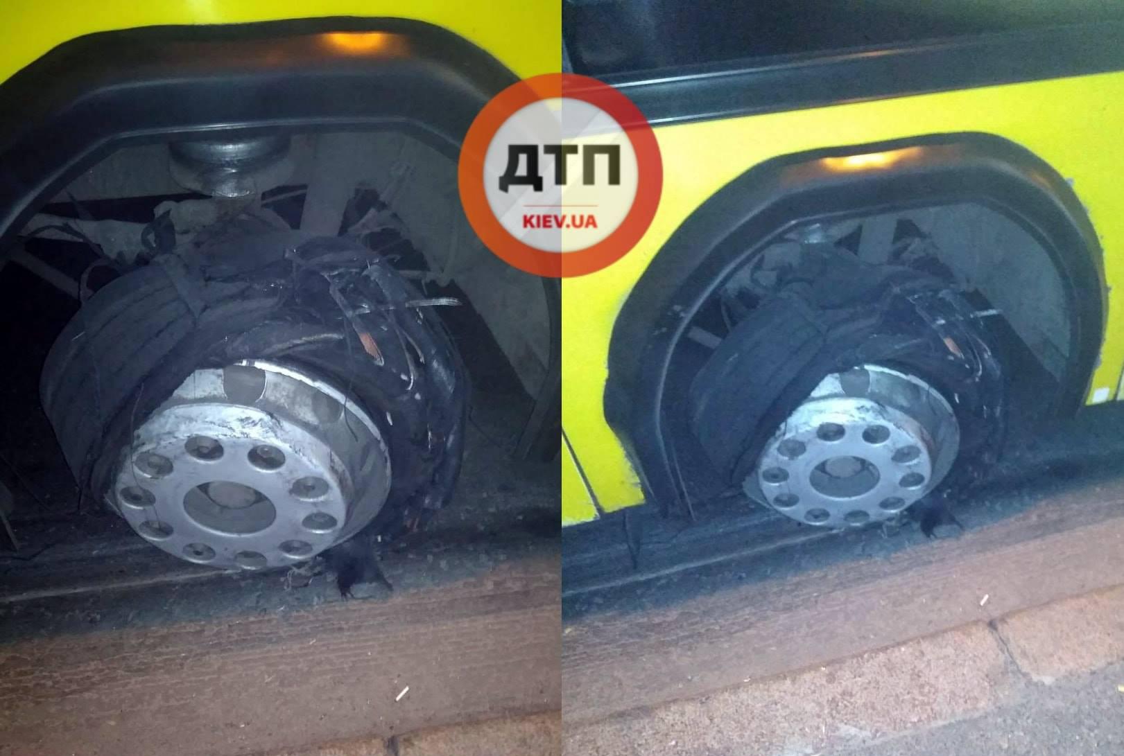 У маршрутного такси на ходу разорвало колесо