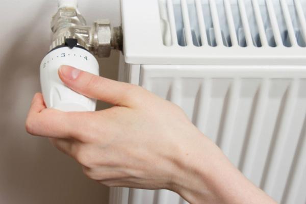 В жилых домах Киева пока не будут включать отопление