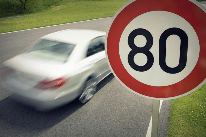 На некоторых улицах Киева разрешено ездить со скоростью до 80 км/ч
