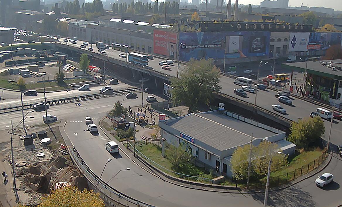Киевским водителям дадут время привыкнуть к трудностям без Шулявского моста