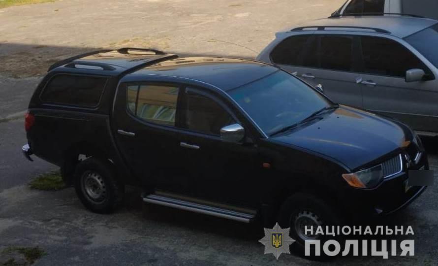 """На Киевщине """"таксисты"""" ограбили автостопера"""