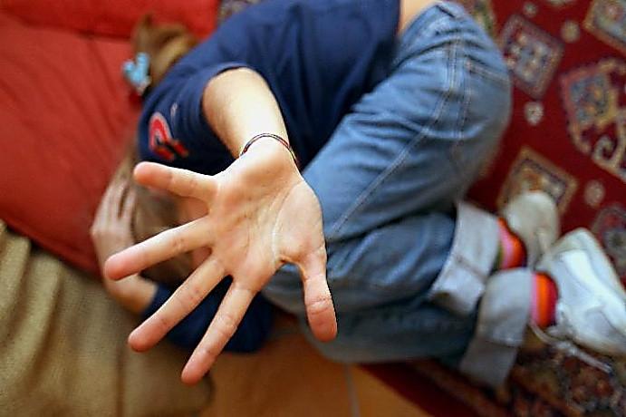 В районе ДВРЗ безработный изнасиловал женщину