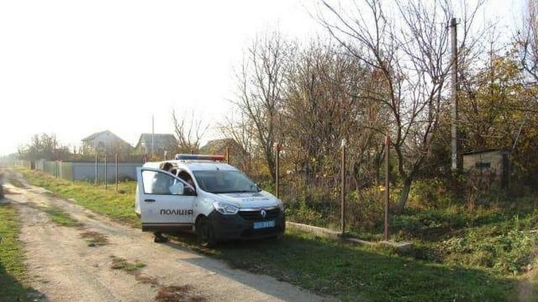 На Киевщине бездомный напал с ножницами на пенсионерку