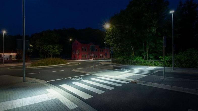 В Киеве над пешеходными переходами появится светодиодная подсветка