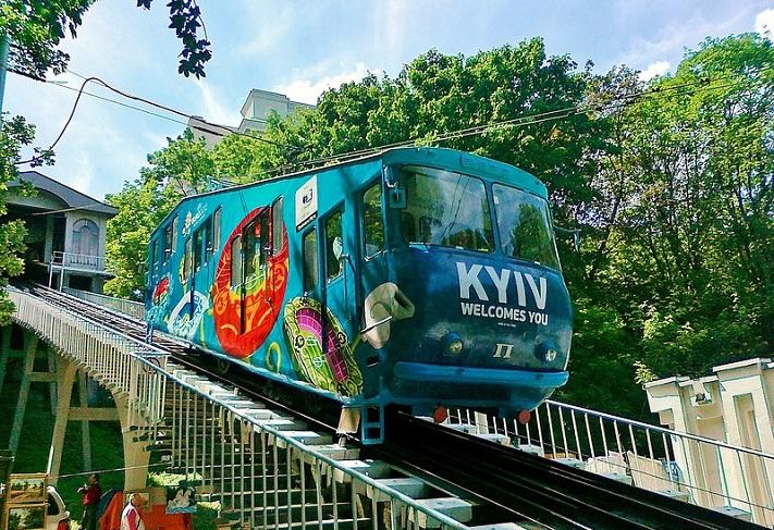 При подъеме к Владимирской горке в Киеве сломался фуникулер