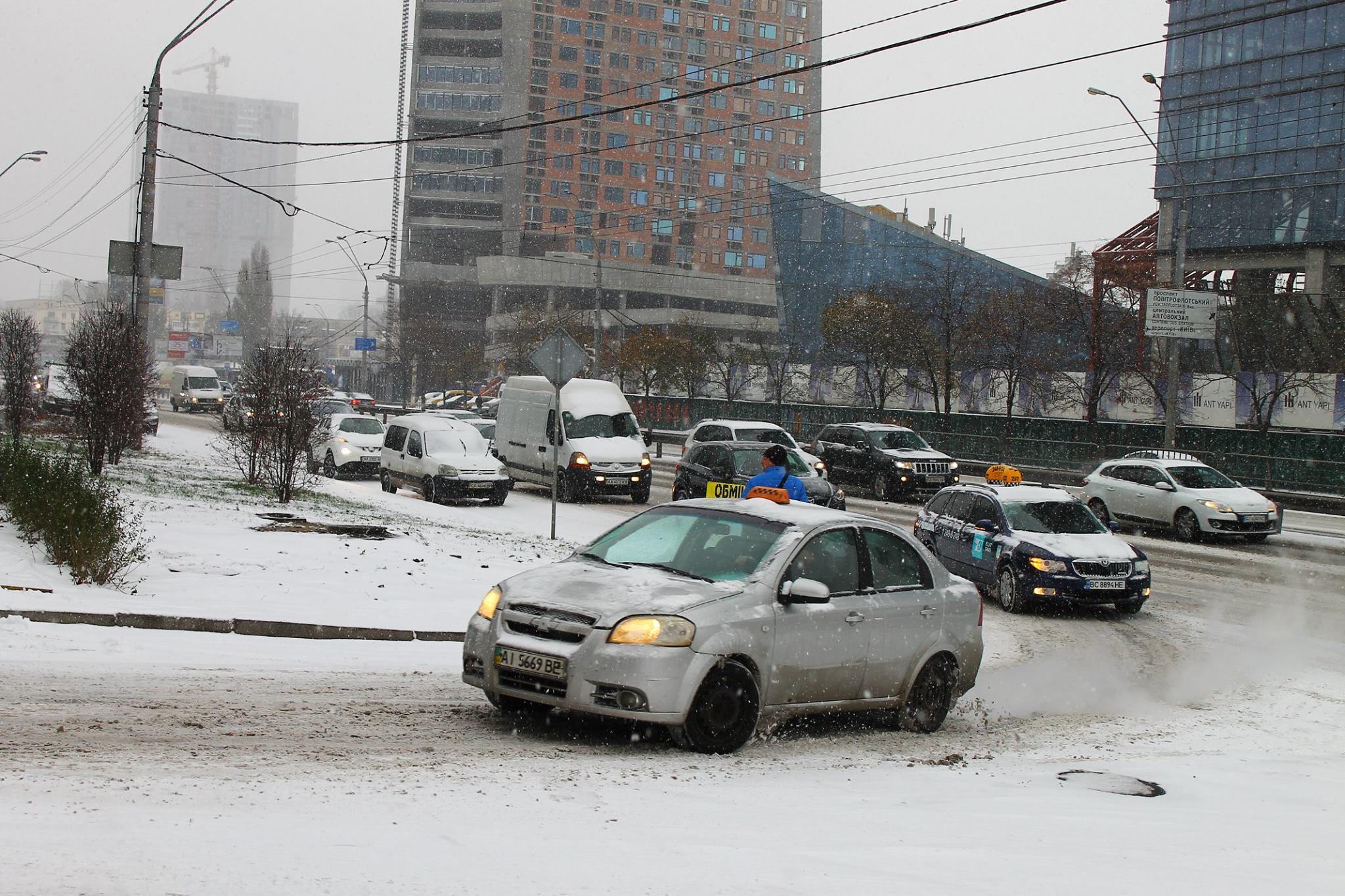 У Кличко заявили, что снегоуборочная техника в Киеве работает с самого утра