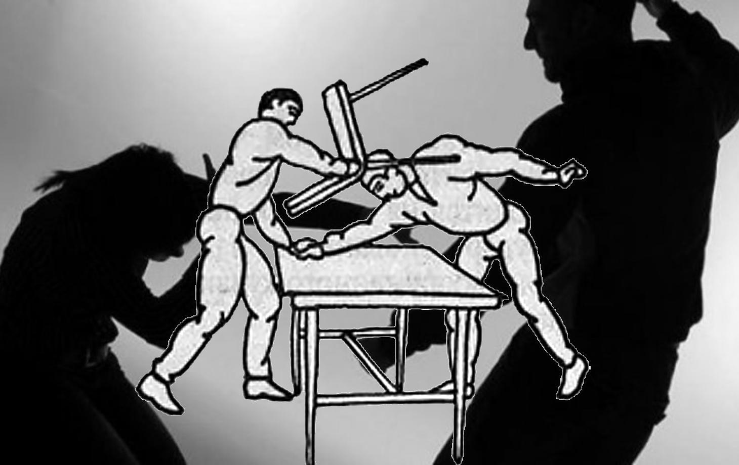 Под Киевом полицейскому об голову сломали служебный стул